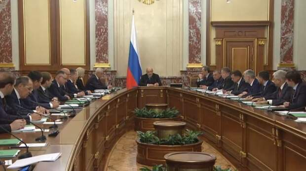 Кабмин предложил рассмотреть проект российского бюджета раньше