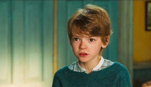 Плаксе Миртл было 40 лет: 8 актеров, которые сыграли героев намного моложе себя