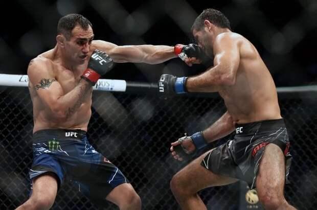 Фергюсон потерпел третье подряд поражение в UFC