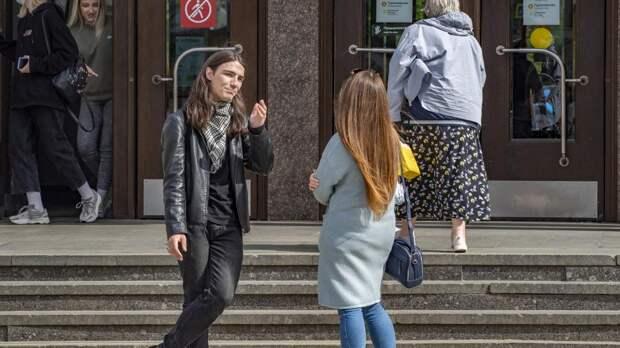 Гинцбург назвал вероятную причину роста заболеваемости COVID-19 в России