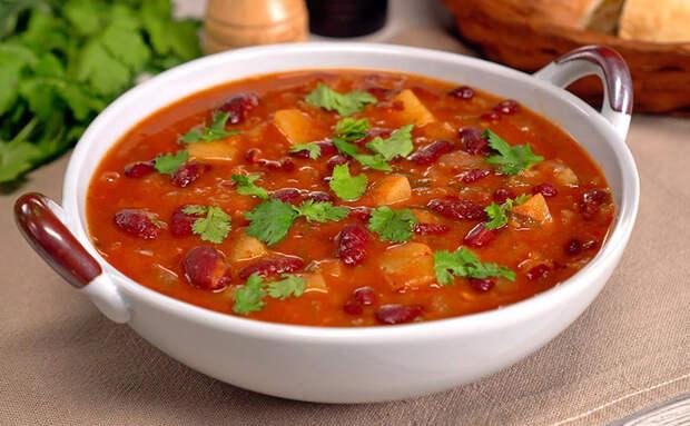 Берем банку фасоли и через 35 минут ставил на стол наваристый грузинский суп
