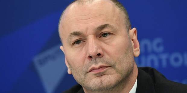 Глава Рособрнадзора — Антон Музаев