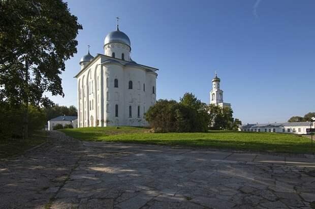 Ученые нашли в Великом Новгороде саркофаги бояр