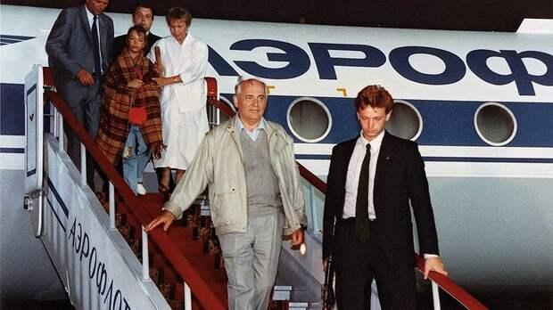 1991 Горби Возвращение из Фороса.jpg