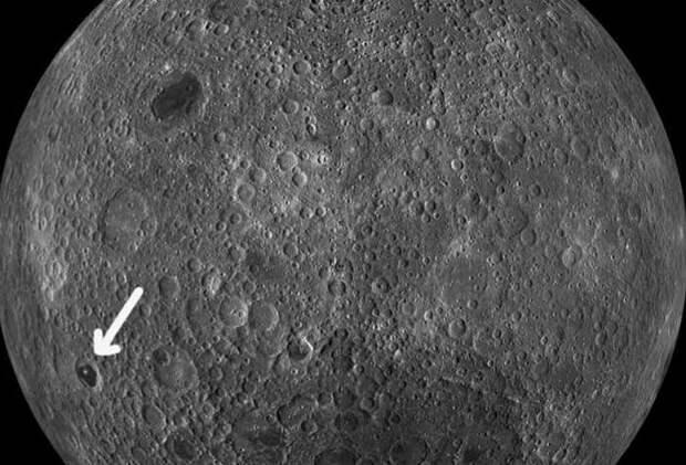 На лунном фото НАСА знаменитый уфолог отыскал пирамиду
