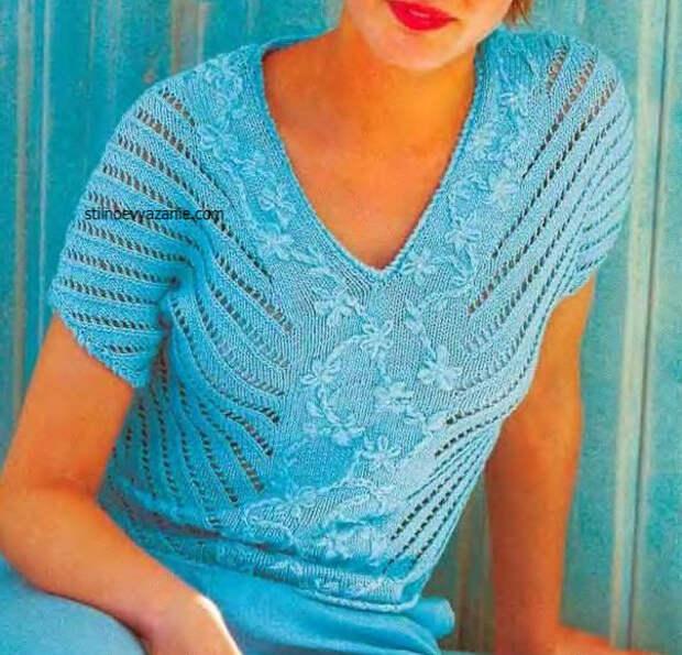 Пуловер с вышивкой и ажурными полосами