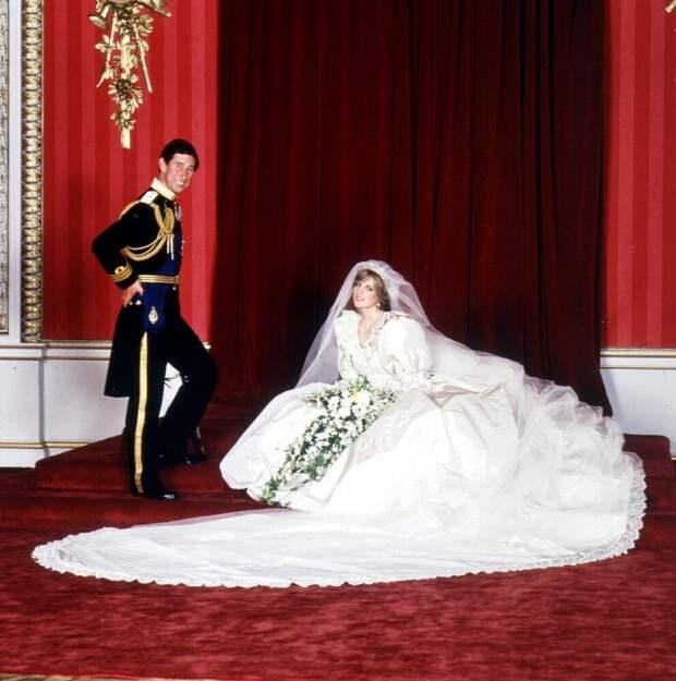 Свадебная мода: пять самых красивых свадебных нарядов в истории