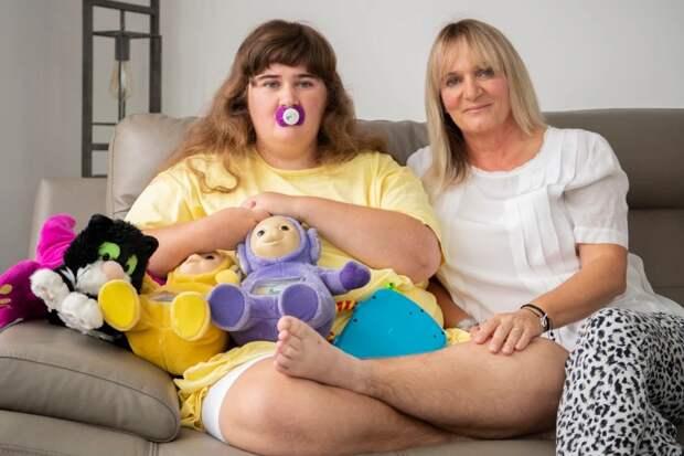 Вот уже 19 лет мать ухаживает засвоей 10-месячной дочерью