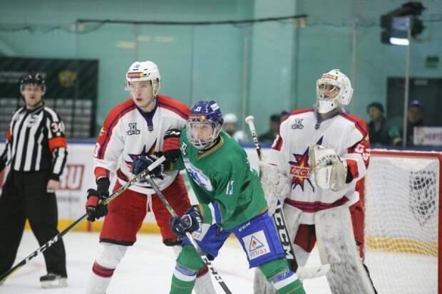 Хоккеисты «Ижстали» уступили в гостях «Торосу»