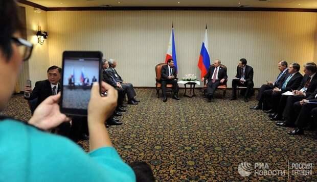 Родриго Дутерте: полагаться в мире можно только на слово России и Китая