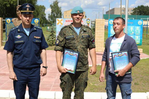 Костромским десантникам, которые спасли троих несовершеннолетних детей из горящей квартиры, объявили благодарности и представят к ведомственным наградам