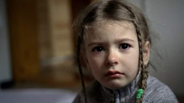 «Папочка, я много не буду кушать. Не нужно меня в интернат» умоляла Маша глядя в холодные глаза отца