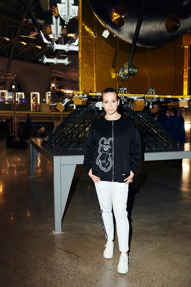 Яна Рудковская, Евгений Плющенко и Виктория Борисевич на показе олимпийской коллекции ZASPORT