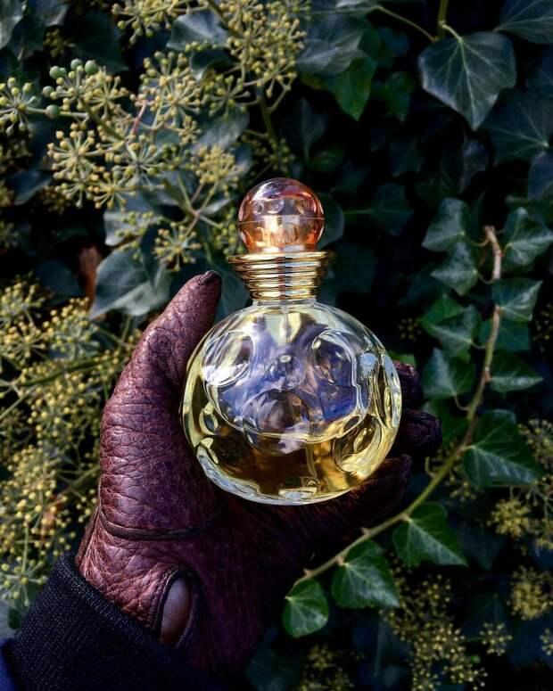 Ароматы счастья: 5 жизнерадостных парфюмов для весны и лета 2021, которые настроят на позитив