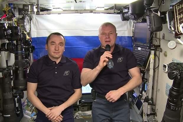 Космонавты Роскосмоса с МКС пожелали удачи сборной России на Олимпиаде в Токио