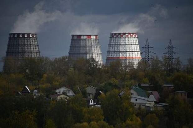 A view shows a heating power plant in Omsk, Russia September 25, 2020. REUTERS/Alexey Malgavko