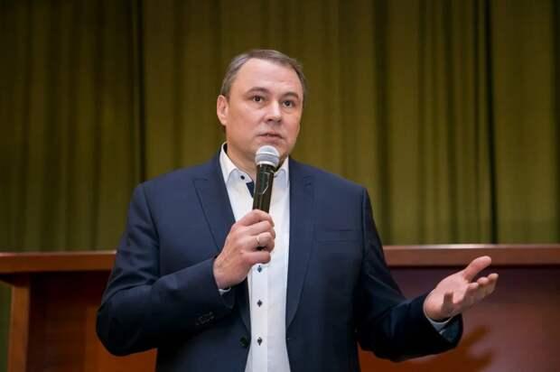 Политолог поддержал идею Толстого увеличить число бюджетных мест в вузах. Фото: Александр Чикин