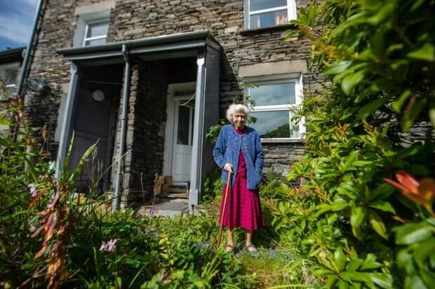 Моя крепость: британка отметила столетие вдоме, где живет с1921 года