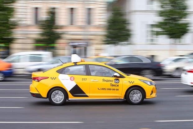 Автоэксперт предупредил о росте цен на такси из-за новых ограничений