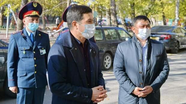 Поить чаем людей предложил полицейским аким Павлодарской области