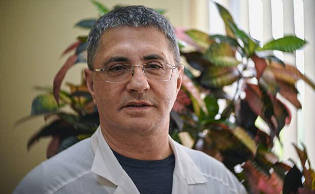 Доктор Мясников ответил на главные вопросы о вакцинации от коронавируса