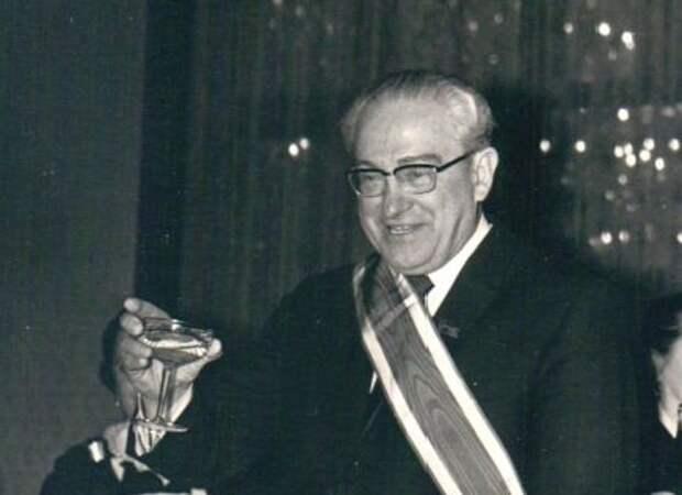 """Почему чекисты не пьянели: """"алкогольные хитрости"""" сотрудников КГБ"""