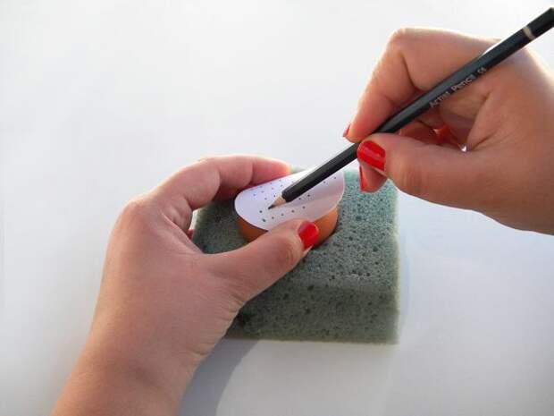 Как сделать вышивку на скорлупе яиц