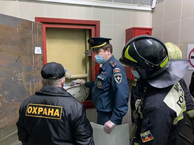 Сотрудники пожарного надзора ЮВАО провели инструктаж с персоналом Психиатрической больницы №13