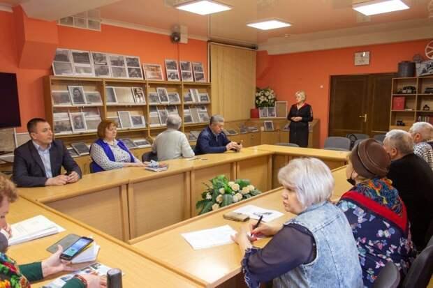 Госкомархив посетили представители ряда общественных организаций и учебных заведений Республики Крым