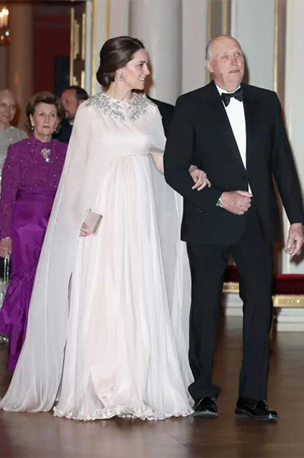 Кейт Миддлтон и король Норвегии Харальд V