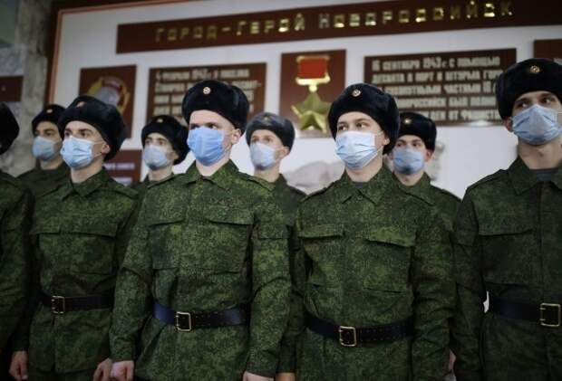 Заслуженный адвокат России призвал ввести гражданский контроль над армией