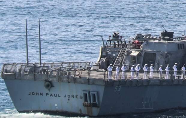 Американский эсминец опозорил ВМС США в Пакистане