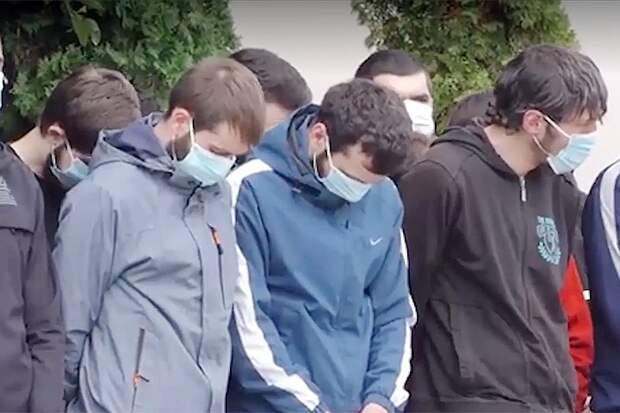 100 молодых чеченцев вернули из Москвы домой из-за недостойного поведения