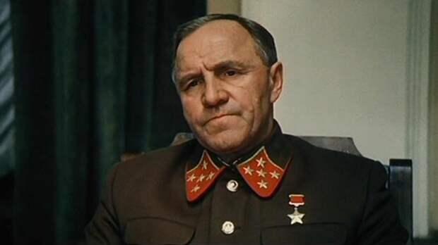 5 ярких кинообразов Михаила Ульянова
