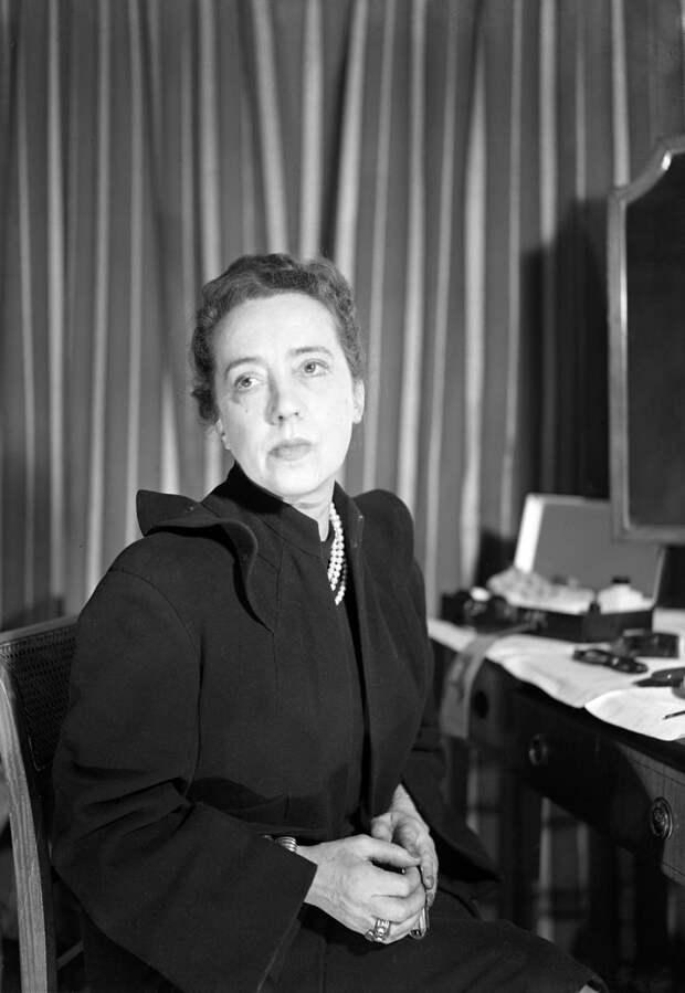Эльза Скиапарелли, 1946