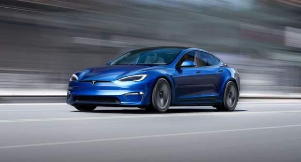 Tesla задерживает поставки Model S Plus до середины следующего года