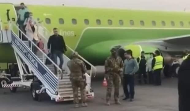 Прямо с самолёта: задержан подозреваемый за взятку нижегородскому предприятию