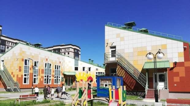 Педагог Тхостов считает, что петербуржцы смогут гордиться новыми наименованиями школ