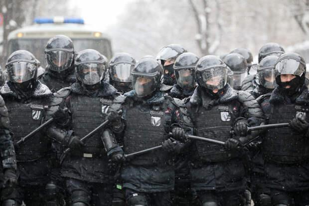 Baza: Силовикам в Москве приказали в ближайшие дни ездить на работу в гражданской одежде
