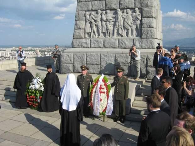 О памяти и памятниках
