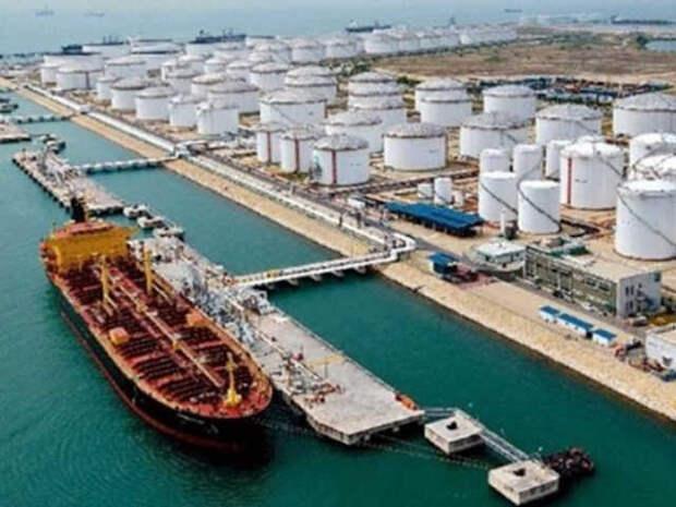 Китай игнорирует эмбарго США, покупает 40 % иранской нефти и отступать не собирается