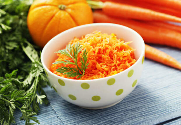 Без чеснока и майонеза: три здоровых салата из моркови за минуты