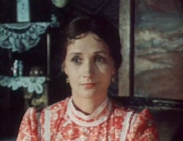 Два капитана(1976 г.) - Аксинья Федоровна Зинаида Кириенко, актрисы, день рождения