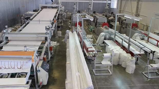 В Магнитогорске пожар в цехе по производству пластиковых панелей