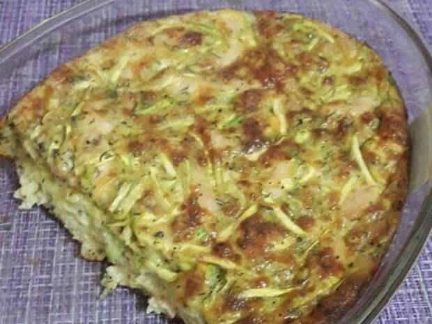 Заливной пирог с курицей и кабачками