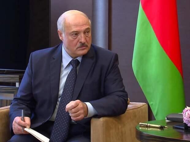 Лукашенко заявил о перехвате на границе с Литвой беспилотника со взрывчаткой