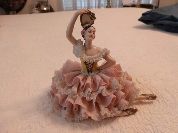 Dresden Porcelain Lace Lady Figurine Dancing Pink / White