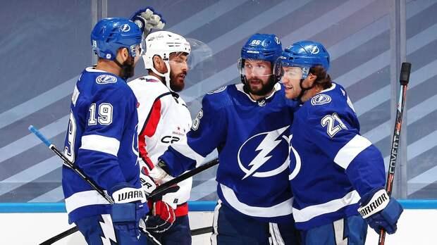 Овечкин «молчит», в плей-офф НХЛ забивают другие русские. У Кузнецова и Кучерова — голы, у «Вашингтона» — поражение