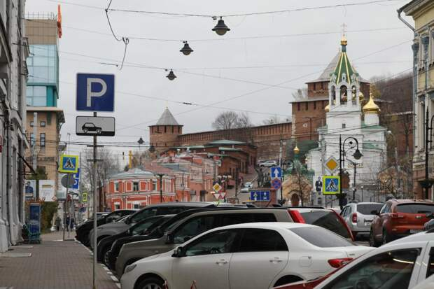 Платную парковку на улице Рождественской запустят в мае