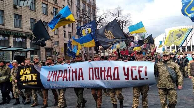 Политолог сообщил о планах украинских радикалов атаковать Донбасс и Крым